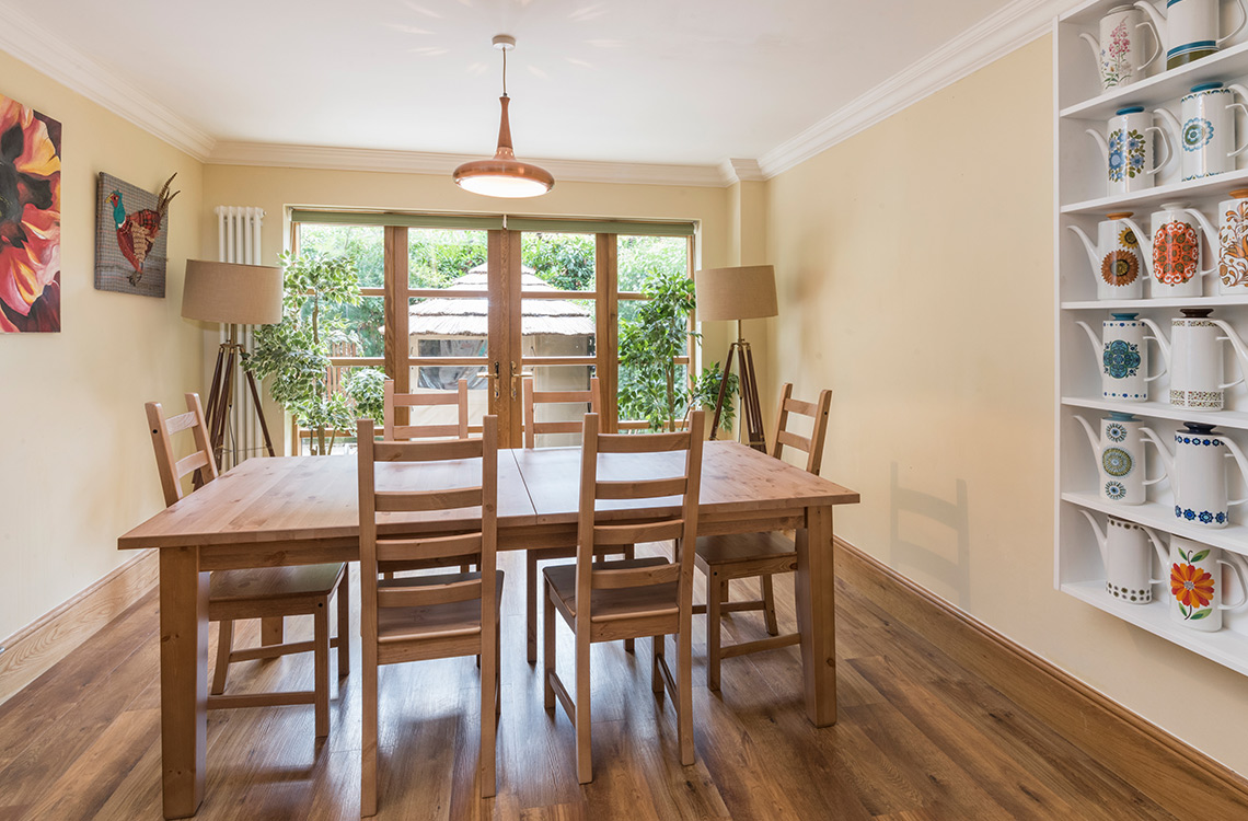 5 Bedrooms For Sale In Treetops 46 Lindisfarne Close