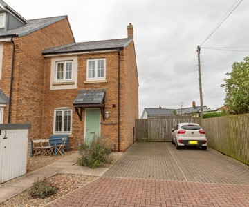 Sunnysands, 26 St. Ebbas Way, Beadnell,Chathill